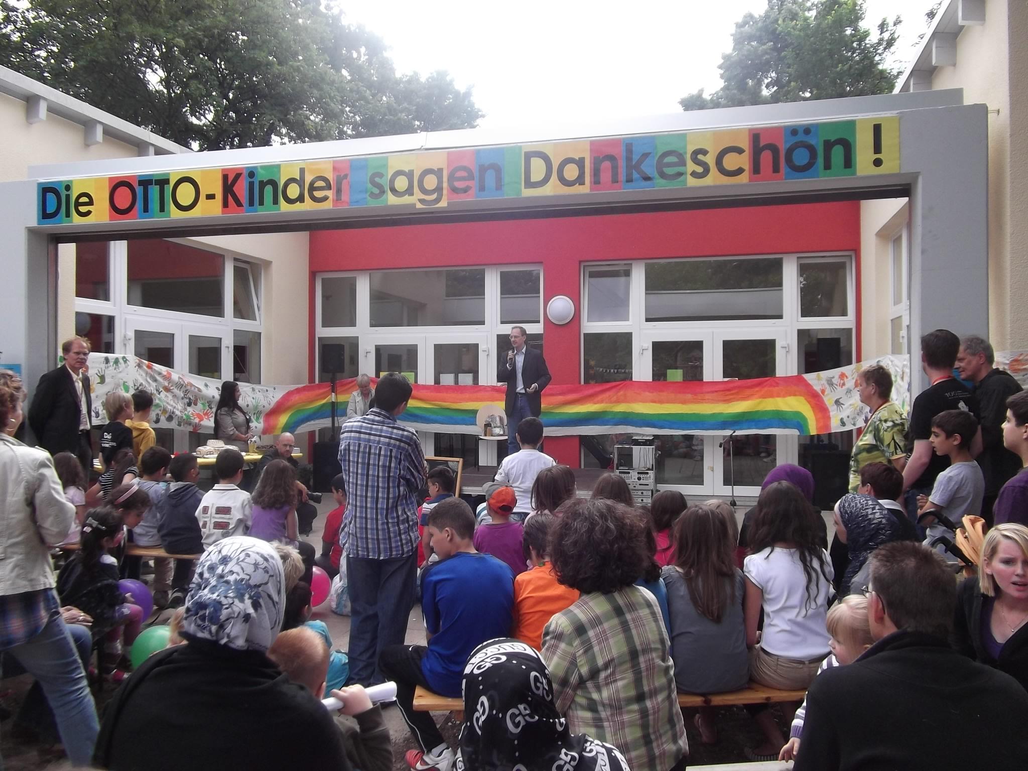 Carsten Spallek bei der feierlichen Eröffnung des Spielhauses